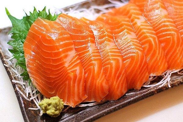 300 gram hải sản (150gram cá hồi & 150gram tôm)