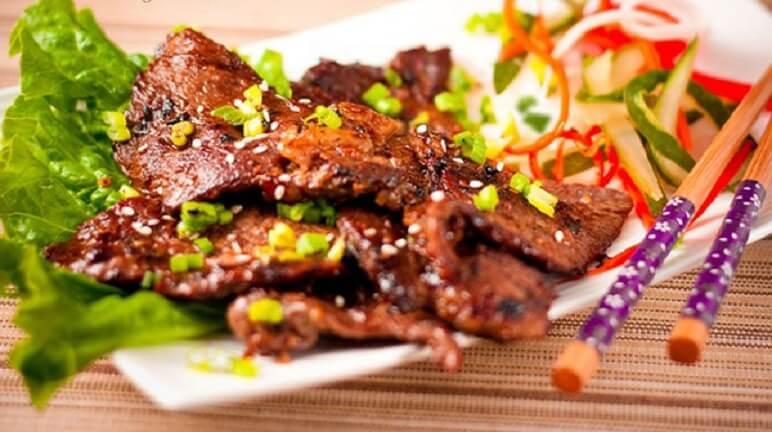 Món thịt bò nướng sa tế này bạn có thể dùng để ăn với cơm hoặc với bánh mỳ