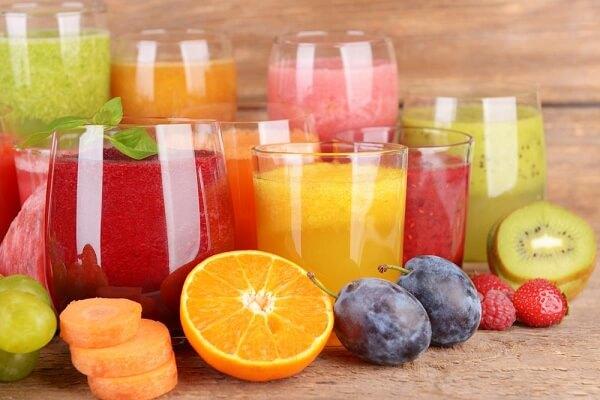Các loại nước ép: Như cà rốt, cà chua, dưa hấu, ổi, thơm