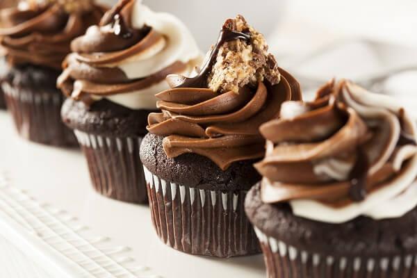 𝓗𝓞𝓣- Cách Làm Bánh Cupcake Socola Ngon Đơn Giản Tại Nhà