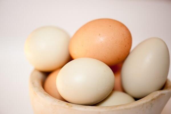 Trứng gà: 2 quả