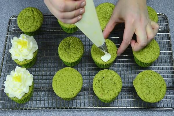 𝓗𝓞𝓣- Cách Làm Bánh Cupcake Trà Xanh Ngon Đơn Giản Tại Nhà