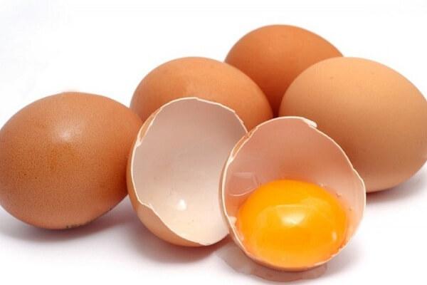 Trứng gà: 1 2 quả