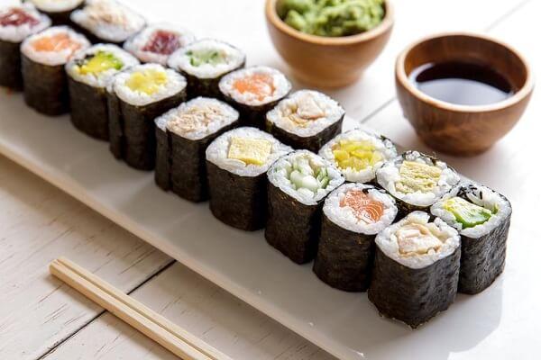 Cách Làm Cơm Sushi Ngon Dễ Làm Ngay Tại Nhà