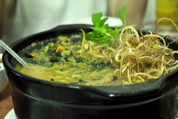Nhâm nhi bên gia đình với món lươn om chuối thơm ngon