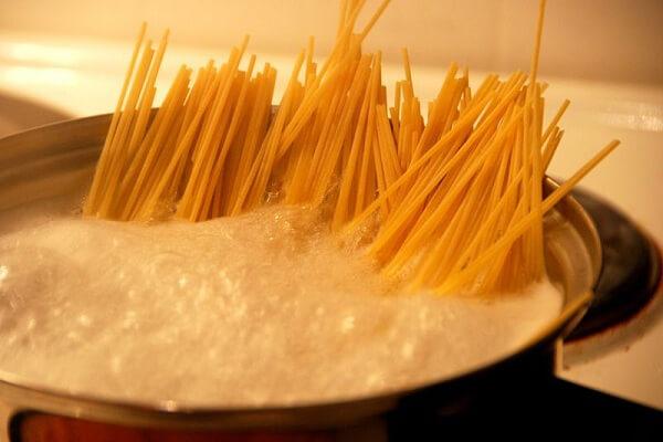 Hướng dẫn cách làm Spaghetti đơn giản tại nhà