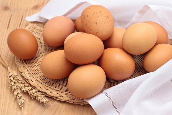 Có thể dùng trứng gà ta