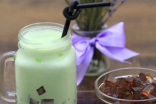 Trà sữa Thái trà xanh - Món uống ưa chuộng của giới trẻ