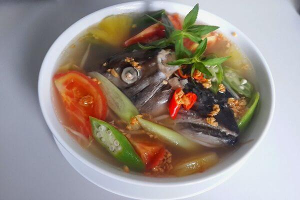 Cách Nấu Canh Chua Đầu Cá Hồi Ngon - Canh Chua Ca Hoi