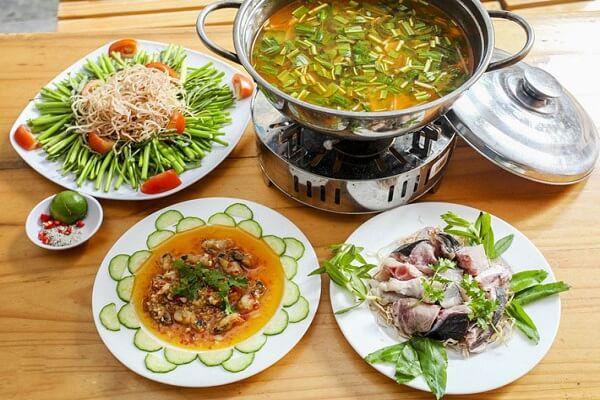 Cùng xem cách nấu lẩu cá bóp măng chua của Mâm Cơm Việt đơn giản đến thế nào nhé
