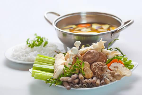 Học ngay 2 cách nấu lẩu nấm chay cực ngon tại nhà