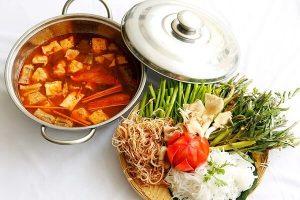 Cách Nấu Lẩu Thái Chay Ngon Đơn Giản - Mâm Cơm Việt