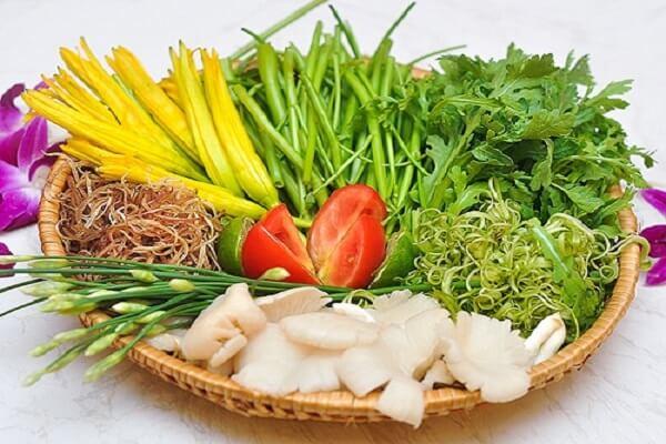 Lẩu Thái sẽ ngon hơn nhiều nếu ăn kèm với các loại rau