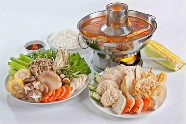 Cách nấu lẩu Thái chua cay vô cùng hấp dẫn