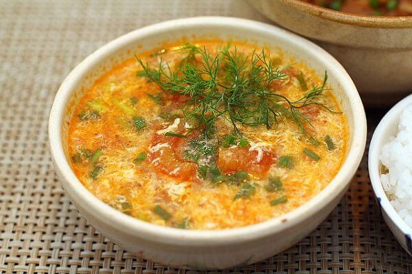 Mon ngon re tien - Canh cà chua trứng