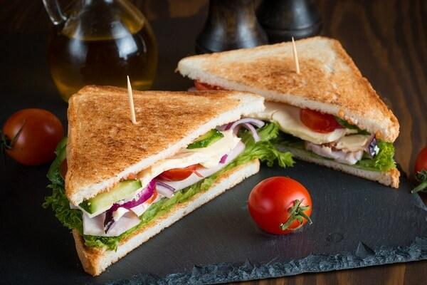 Cách làm bánh mì sandwich kẹp trứng, bánh mì sandwich tam giác đơn giản