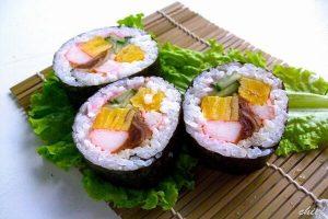 Học Ngay Cách Làm Sushi Tại Nhà Đầy Màu Sắc
