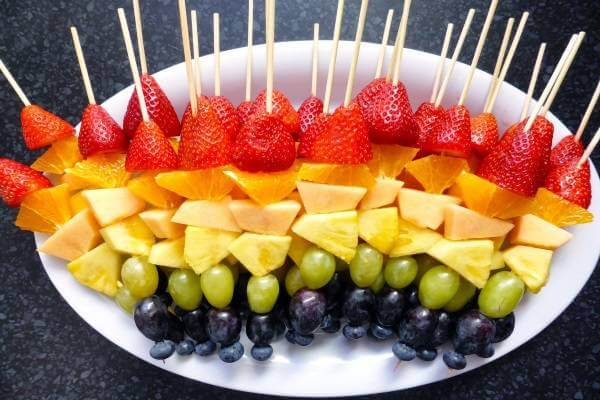 Hoa quả tráng miệng đẹp mắt trong các bữa tiệc