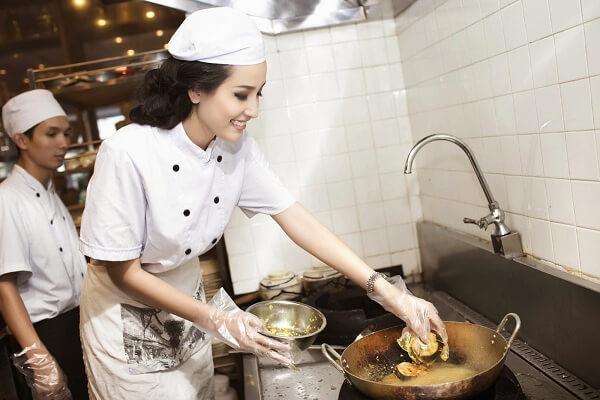 Chương trình đào tạo tại Trường trung cấp nghề nấu ăn và nghiệp vụ khách sạn Hà Nội