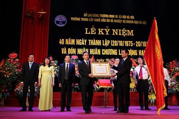 Thành tích của Trường trung cấp nghề nấu ăn và nghiệp vụ khách sạn Hà Nội