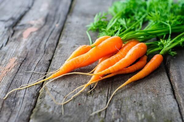Một củ cà rốt sẽ cung cấp 7835 IU vitamin A