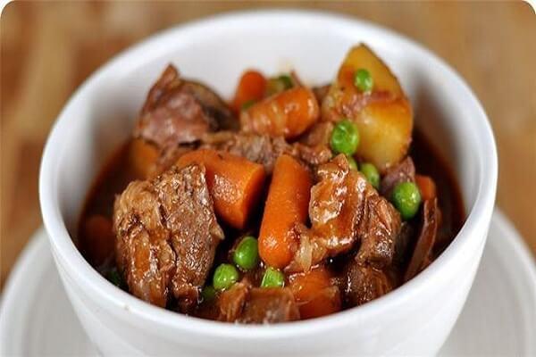 Thịt bò hầm là một món ăn phổ biến nhất ở Việt Nam