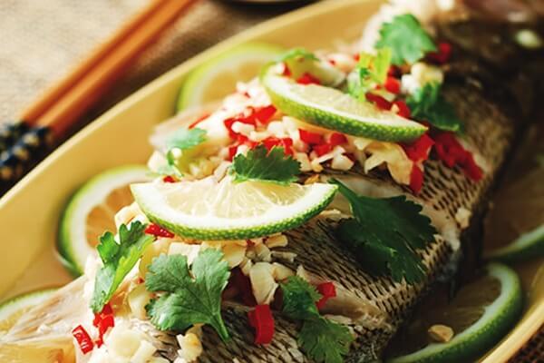 Cá nướng chanh kiểu Thái hội đủ vị chua và ngọt dễ ăn