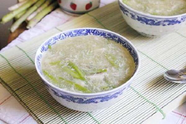 Cách nấu súp măng tây cho bé