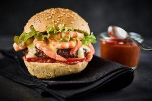 Cách Làm Hamburger Tôm Ngon Đơn Giản Dễ Làm Tại Nhà
