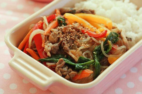 """Món ăn này ở Hàn có tên là miến trộn cung đình """"Gungjung Japchae"""""""