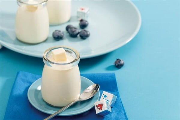 Sữa chua phô mai ngậy béo sẽ là món ăn tuyệt vời cho bé yêu