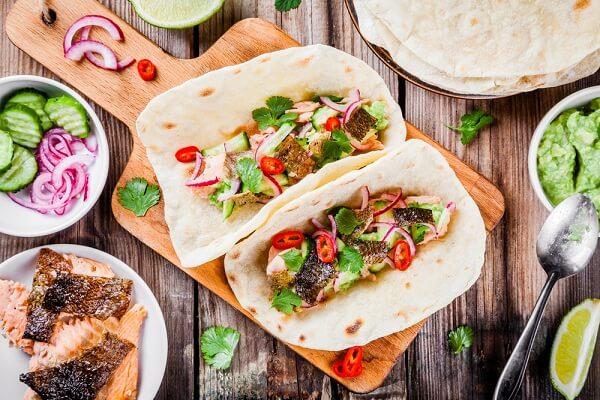 Tacos là một trong những món ăn lâu đời của Mexico