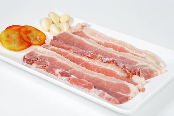 Thịt ba chỉ: 200g