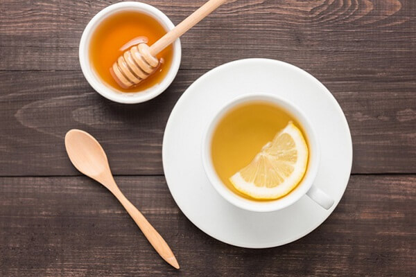 Mật ong có tác dụng dưỡng trắng, làm mờ tàn nhang
