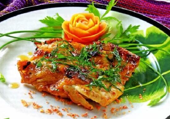 Gà nướng muối ớt là món ăn yêu thích của nhiều người