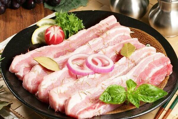 Thịt lợn là chủ yếu được tạo thành từ protein