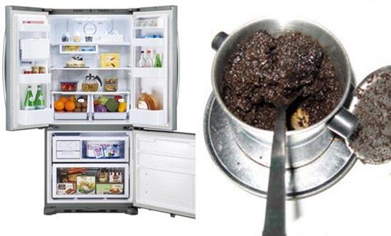 Đặt bã cà phê vào một chiếc bát, đặt trong tủ lạnh vài ngày