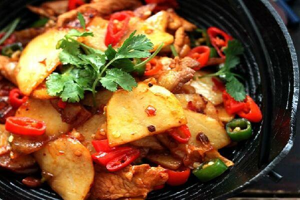 Thịt bò xào khoai tây bổ dưỡng