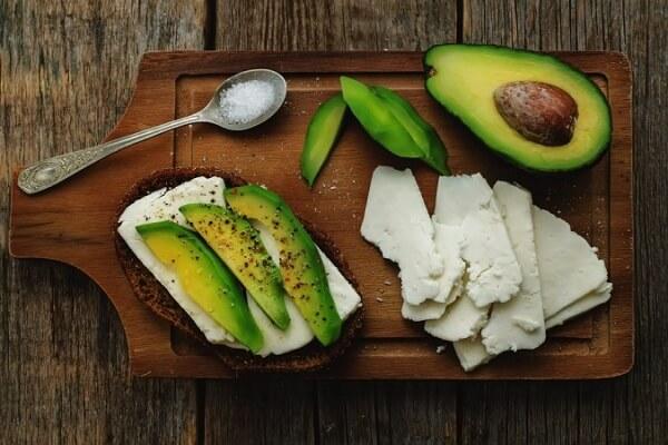 Trái bơ có tác dụng làm giảm mức cholesterol xấu