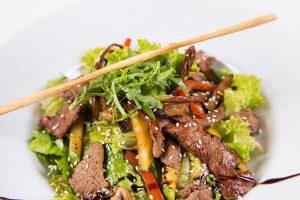 𝓗𝓞𝓣- Cách Làm Salad Thịt Bò Ngon Đơn Giản Tại Nhà - Món Ngon Salad