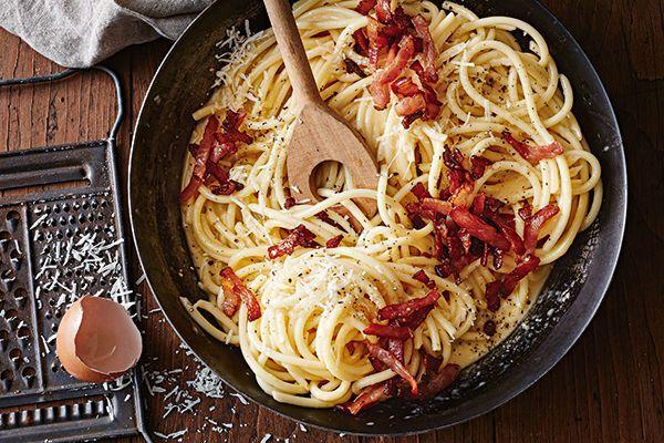 Carbonara là gì - SốtCarbonara Spaghetti