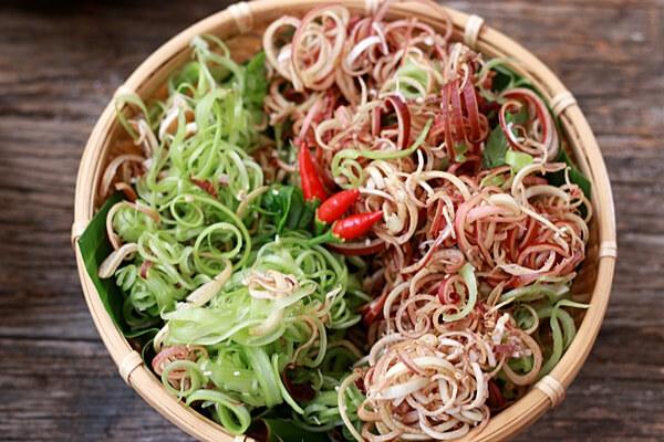 Rau chuối hay còn gọi là búp chuối - Các loại rau ăn lẩu thái, lẩu cá, lẩu bò ăn với rau gì