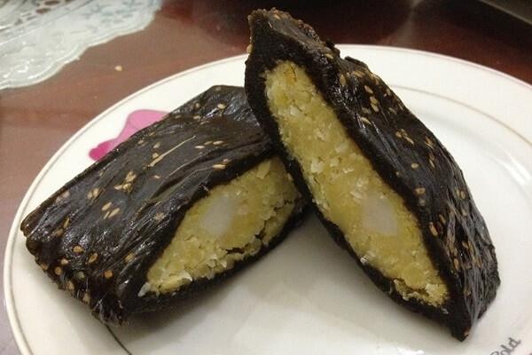 Bánh gai là một món bánh dân dã, có từ lâu đời của làng quê Việt Nam.