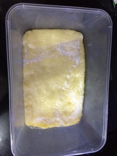 Bảo quản hỗn hợp trứng sữa tươi trong ngăn mát tủ lạnh 90 phút