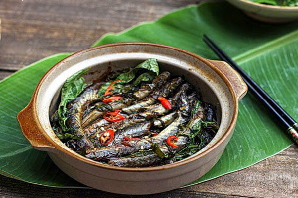 Món cá kèo kho rau răm thơm ngon, lạ miệng