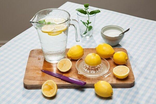 Chanh muối có tác dụng chữa đầy hơi và ăn không tiêu