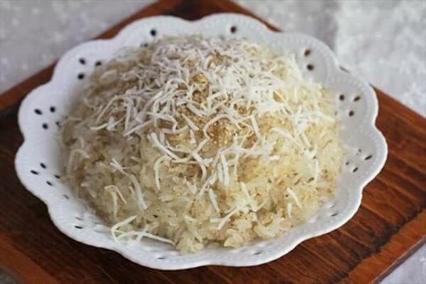 Nước cốt dừa nấu xôi dừa, nấu chè hoặc kết hợp vs các loại hoa quả khác