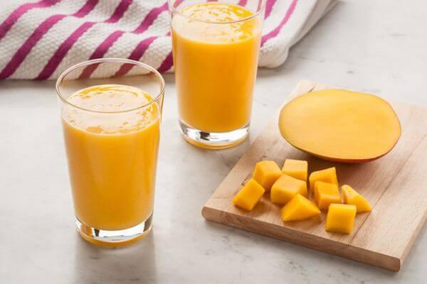 Cách Làm Sinh Tố Xoài Sữa Tươi Ngon Cho Bé Ăn Dặm