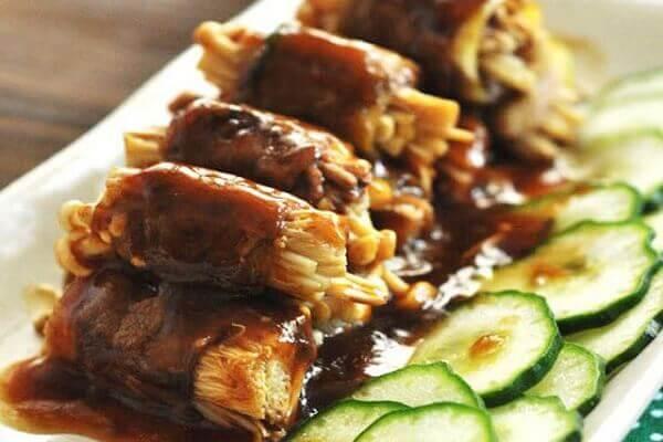 Cách Làm Thịt Bò Cuộn Nấm Kim Châm Áp Chảo Ngon