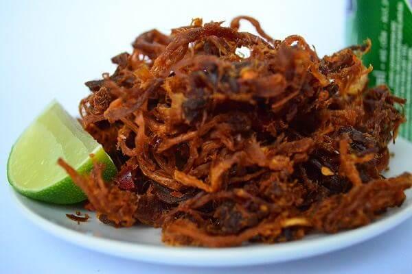 Bò khô hay khô bò vốn đã là một món ăn vặt rất được yêu thích